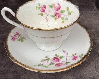 Vintage Unnamed hand painted Royal Albert pink rose tea cup teacup saucer set