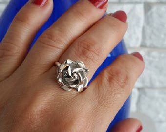 Rose ring, sterling silver, flower ring, silver rose ring, Tiny Rose Ring, gift for her, Rose Flower Ring, Silver Flower Ring, gift for her