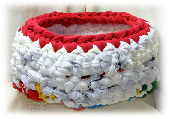 Beautiful Chunky CROCHETED CAT BED, Handmade Cat Bed Cave with removable cushion, cat bed, pet bed, kitty bed