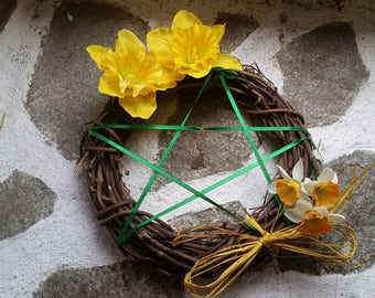 Spring Equinox pentacle, Spring pentagram wreath, Ostara pentagram, Spring flowers wreath, wiccan altar decor, pagan home decor