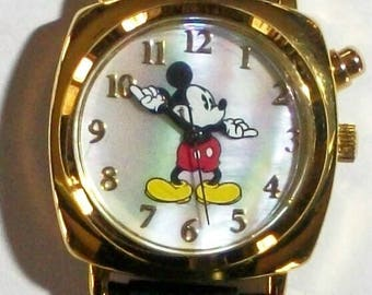 Disney Retired LIGHT UP Mickey Mouse Watch! New! HTF! Push Button It Lights Up! Neat2C! Mother of Pearl Dial!