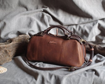Handbag, bowling, doctor bag, brown leather pull-up vintage look
