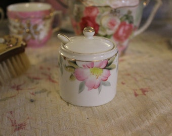 Noritake Azalea Condiment Jar with Spoon, Ceramic Condiment Jar, Pink Flowers and Gold, Condiment Jar with Ladle, Wasabi Jar, Azalea Pattern