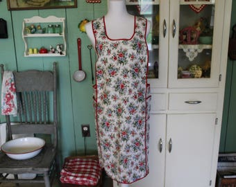 Vintage Apron, Full Apron, Full Calico Apron, Flowered Apron, Pullover Apron with Flowers and Red Piping, Long Apron, Farmhouse Apron