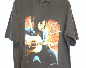 Bob Marley Vintage T-shirt Songs of Freedom guitar rastaman distressed black 90's