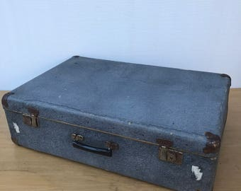 Old suitcase travel trunk grey year 1950 + reinforcements Vintage