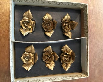 Set of 6 Vintage Gold Color Card Holders, Flowers with 3 Leaf Accents, Holidays, Party, Wedding