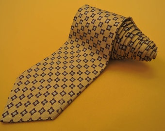Brooks Brothers Tie Pure Silk Flower Geometric Pattern Yellow Vintage Designer Dress Necktie Made In USA
