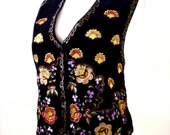 Vintage 90s Black Velveteen Vest with Embroidery - 1990s Black Vest with Embroidered Flowers - Black Cotton Velvet Vest - Size Medium