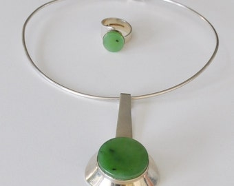 Neckring + Pendant + Ring  > Valo Koru Oy Silver and Jade Set, Finland 1974 Modernist Scandinavian Jewelry