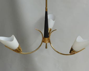 Vintage 1950s chandelier. Chandelier lighting with 3 arms. Fifties lighting.