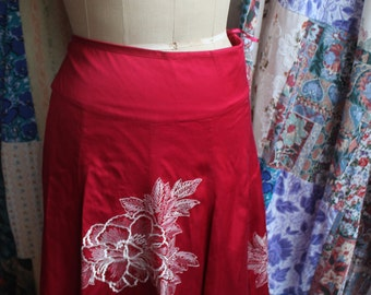 Deep red lined flared, decorated skirt REF475