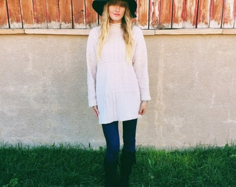 Turtleneck Sweater Dress; Women's Vintage 70's Off-White Turtleneck Mini Dress/ Oversized Sweater Size S/M