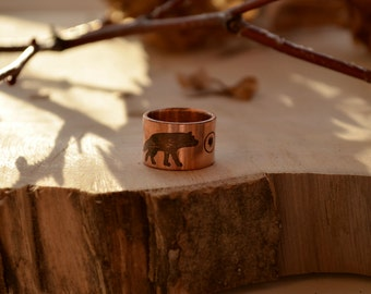 Wild wolf unisex ring, Copper ring for him, inlove couple wolfs, black zirconia moon, etching two wolf mystery tale, men ring gift