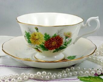 Royal Albert Teacup & Saucer Friendship series Chrysanthemum, Fine Bone China England.