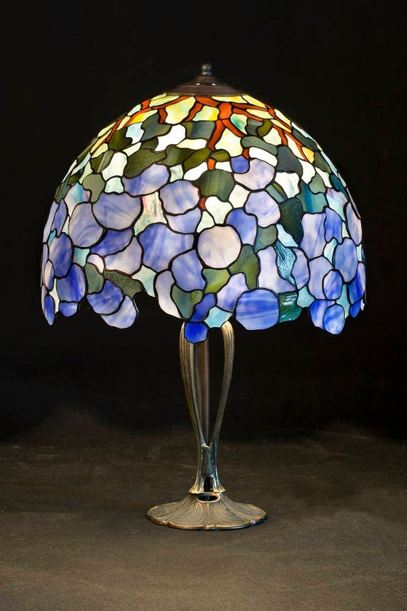 Stained Glass Lamp, Hydrangea Centerpiece, Snowball, Hydrangea Flowers,  Table Lamp, Home Decor, Bedside Lamp, Lampshade, Bedside Lamp