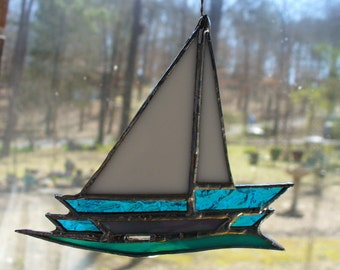SAILBOAT - B    decorative stained glass ornament/suncatcher