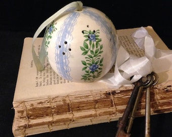 Vintage Pomander Ball~ Scentomander by Andre Richard, Potpourri Holder, Fragrance Ball, Blue and White, Flowers, Lace,  Porcelain, Japan