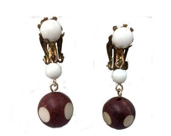 Vintage Dangle brown and white Japan clip on earrings