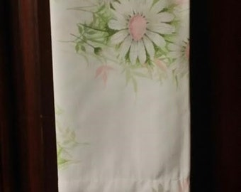 Make your bed room dazzle, with this adorable 1 pc. leafy pink and white standard size daisy pillow case.