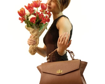 Saffiano Leather handbag. Italian Handcrafted Brown Cross Body bag. Exclusive leather for its unique design. Perfect Gift for daughter