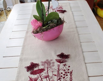 Table runner rustic House grasses, flowers