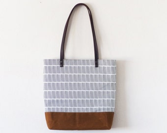 Lines design brown waxed canvas tote bag with leather handle