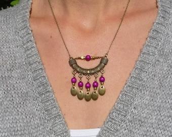 collier ethnique bohème perles bois rose  fuchsia prune laiton bronze, collier boho chic,collier chaîne bronze,collier artisanal, fait main