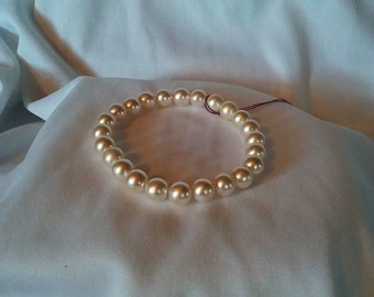Pastel Peachy Tan Pearl Elastic Bracelet