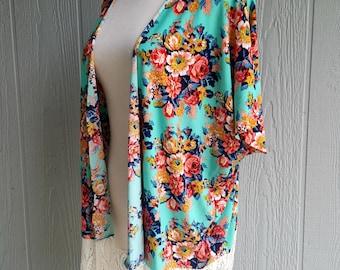 Women's kimono cardigan, floral kimono cardigan, kimono with lace trim, vintage floral print cover, boho fashion, festival wear