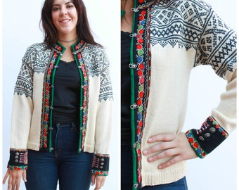 Vintage Scandinavian Cardigan / Patterned Knit / Size 8-10