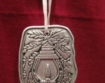 """Large WILTON Columbia Old Fashioned LANTERN PEWTER Ornament 3"""" Candle Greens Bow Vintage 1975 Christmas Tree Holiday Hanging Decoration 831"""