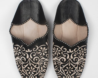 Decorative Moroccan Babouche Slippers, Black