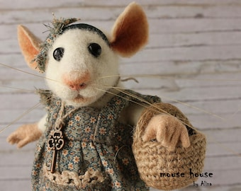 Mouse with a Key, Needle Felted Mouse, Dressed Mouse, Soft Sculpture, Needle Felted Animal, Cute Felt, Eco Toy, Art Doll.