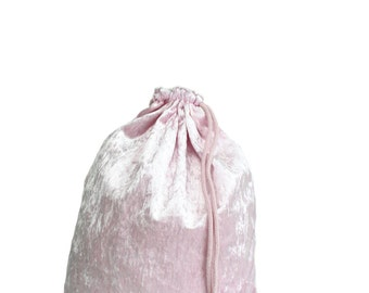 Velvet Light Pink Gym Bag - hannisch