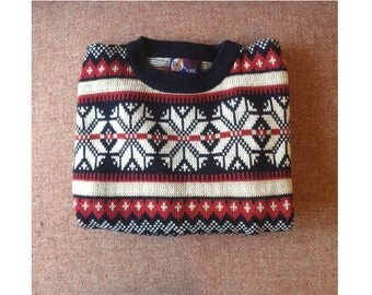 Vintage red & navy snowflake sweater / Nordic oversized sweater