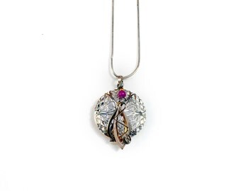 Aromatherapy Diffuser Pendant - Shades of pink
