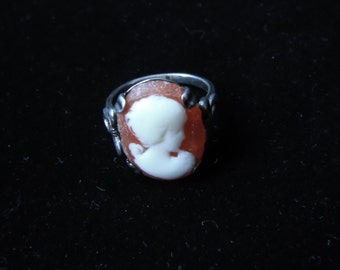 Sterling Silver Cameo Ring Size 6