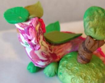 "Spring Doodle Bug Dragon Series 1 ""Tilly"""