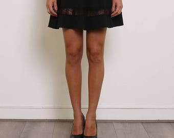 Skirt black skater with details in lace, zip on the back