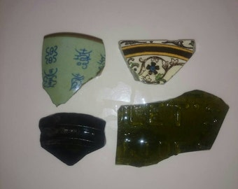 Archaeology finds found in the mud of Ireland 18th century pottery