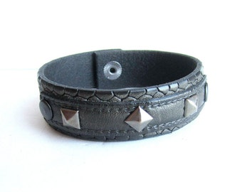 Mens riveted leather cuff bracelet, gray leather rivets bracelet, mens leather bangle, italian jewelry
