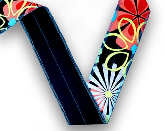 Flower Power Retro CrossFit Weight-lifting Wrist Wrap with Black Back