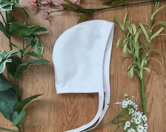 White Baby Bonnet// Hat, Baby Hat// Baby Christening// Baby Baptism Bonnet// Baby Blessing Bonnet// Gender Neutral// Cotton