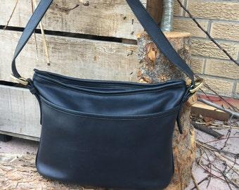 Coach / Coach Bag /  Vintage Coach Worth Bag / Dark Navy Leather  / Style 4143 / Excellent Condition