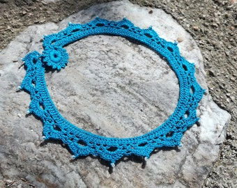 "crochet necklace with seed beads - ""Classy"" in blue"