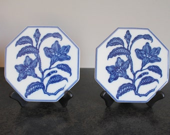 Mottahedeh Blue and White Trivets, Pair