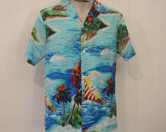Vintage Hawaiian shirt, vintage clothing, 1970s shirt, 1970s Hawaiian shirt, vintage clothing, medium