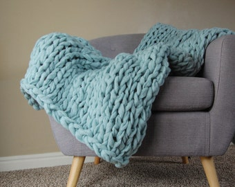 Chunky Mint Blanket, Vegan Blanket, Chunky Blanket, Giant Knit Blanket, Chunky Throw, Arm Knit Blanket, Throw Blanket, Knit Throw Blanket