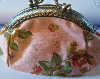 small wallet retro of pink powder